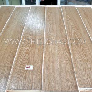 Sàn nhựa vân gỗ có keo sẵn 2mm mã 005