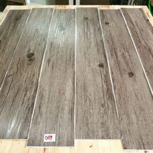 Sàn nhựa vân gỗ có keo sẵn 2mm mã 009
