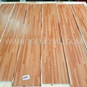 Sàn nhựa vân gỗ có keo sẵn 2mm mã 014
