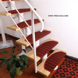 Thảm trải cầu thang nỉ 01