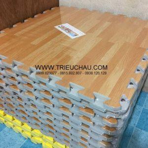 Thảm xốp 60 × 60 cm trải sàn vân gỗ Âu Lạc